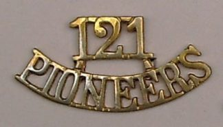 121 PIONEERS cast brass shoulder title