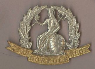 2nd.. V. B. NORFOLK REGt. bi-metal or's cap badge