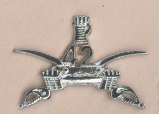 42nd CAVALRY ARMORED REGMT.nickel plated cap badge