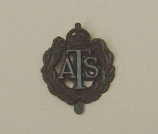 AUXILLERY TERRITORIAL SERVICE KC plastic cap badge
