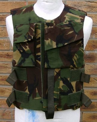 BRITISH COMBAT BODY ARMOUR in Green Woodland Camo