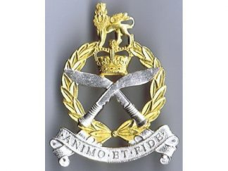 GURKHA ADJUTANT GENERAL CORPS - QC or's silver plate and gilt Cap Badge (original)