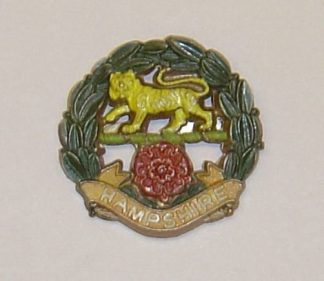 MPSHIRE REGIMENT plastic cap badge