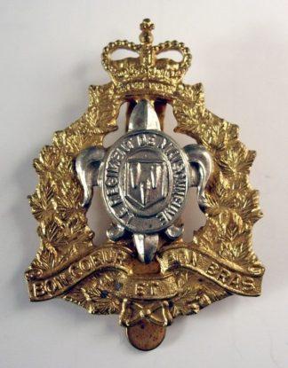 REGIMENT DE MAISONNEUVE QC or's cap badge