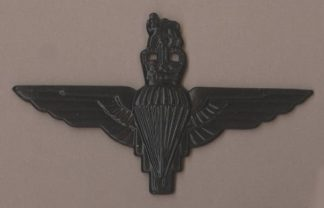 PARACHUTE REGIMENT QC - BLACK beret badge