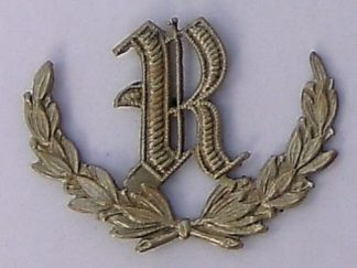 R' in WREATH, OLD ENGLISH gilding metal 'Range Fi
