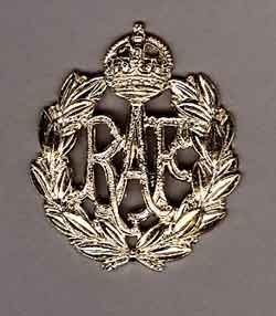 ROYAL AIR FORCE KC cap badge g/m