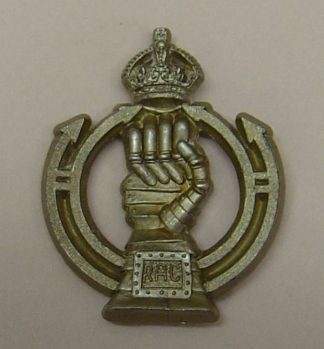 ROYAL ARMOURED CORPS WWII KC plastic cap badge