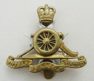 ROYAL MALTA  ARTILLERY QC bi-metal beret badge