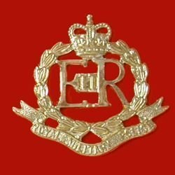 ROYAL MILITARY POLICE QC a/a cap badge