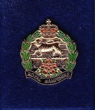 THE ROYAL HAMPSHIRE REGIMENT - LAPEL BADGE