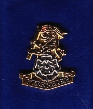 THE YORKSHIRE REGIMENT - LAPEL BADGE