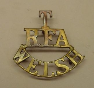 T- RFA - WELSH 3-line brass shoulder title