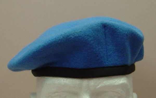 5d1338d51d0ac UN BERET - bright blue - Jeremy Tenniswood Militaria
