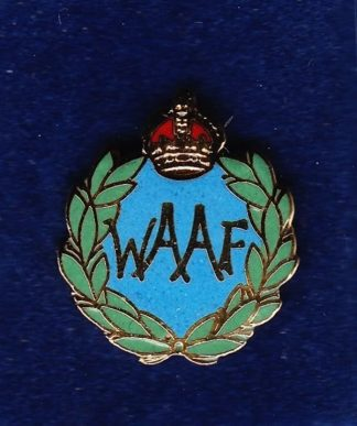MENS AUXILLARY AIR FORCE - LAPEL BADGE