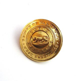 WEST YORKSHIRE REGIMENT 24mm Officer's gilt button 'J.R.Gaunt & Son Ltd.London -Jennens-'