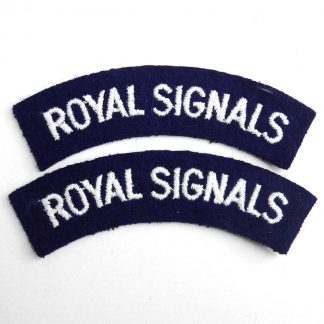 ROYAL SIGNALS curved cloth shoulder title embroidered White on Navy Blue