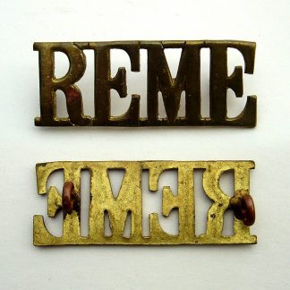 REME Royal Electrical and mechanical Engineers large brass shoulder title